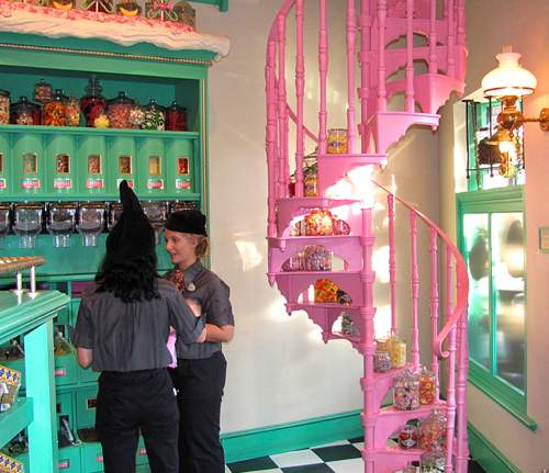 inside honeydukes