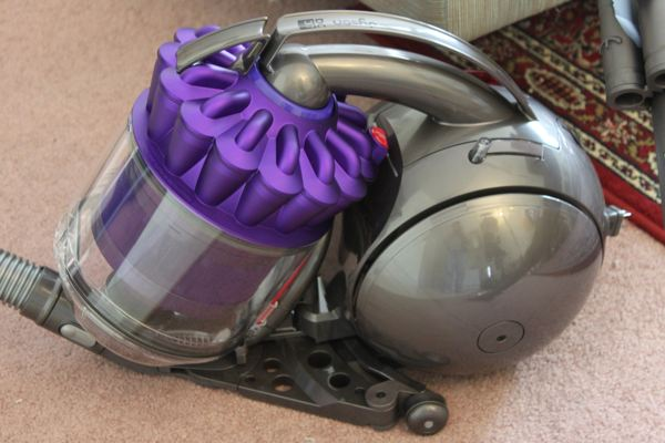 dyson canister
