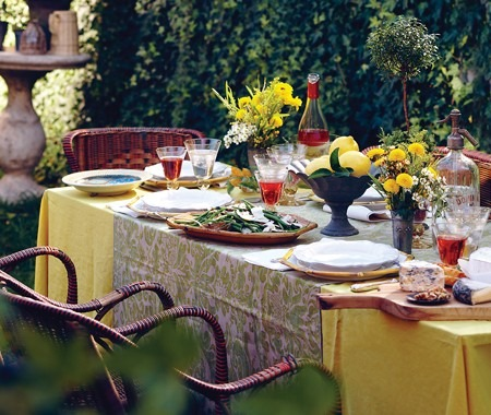Outdoor table decorating ideas being tazim for Patio table centerpiece ideas