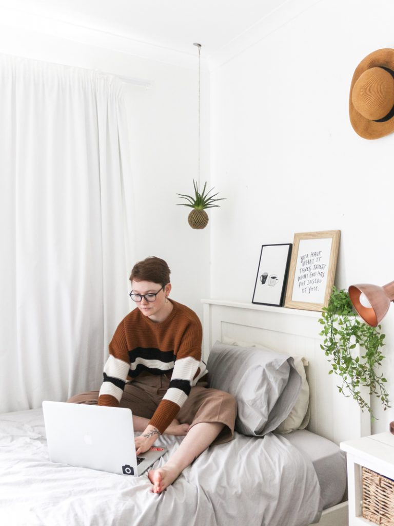 dorm room decor tips