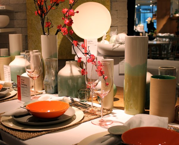 crate-barrel-spring-table