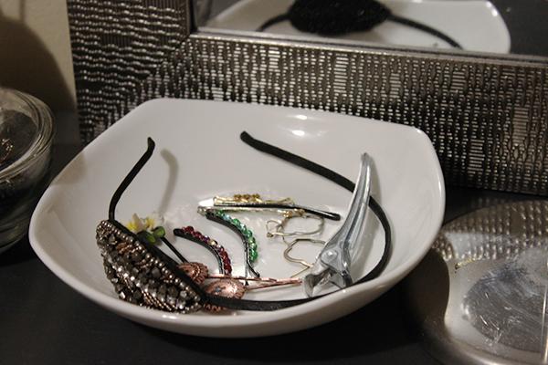vanity jewelry holder