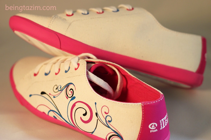 Shanna lace up canvas shoes