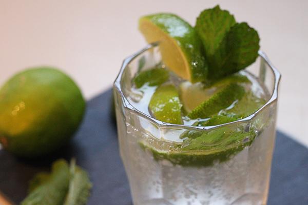 3 Sparkling Drinks to Share Amongst Friends #SparklingHolidays