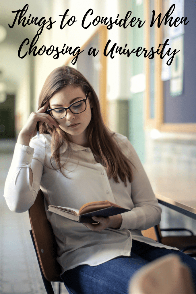 Things to Consider When Choosing a University